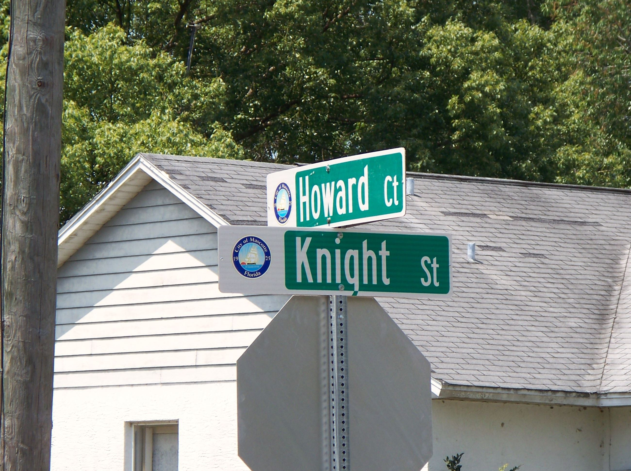 Howard Court and Knight Street Intersection Sign Opens in new window